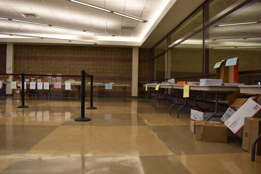 Students Area to Pick Up Papers For Classes